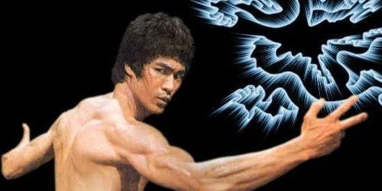 李小龙他19岁就可以秒杀200斤拳击冠军