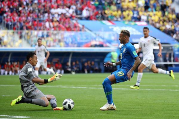 库鸟绝杀!巴西2-0哥斯达黎加 VAR吹掉内马尔点球