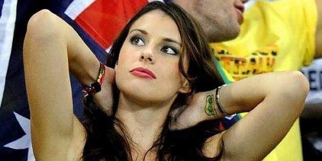 世界杯终于开启了各国美女的斗艳模式,其中不乏越南美女