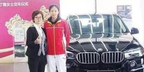 寶馬贊助女排全隊人手一輛豪車,唯獨她拒絕領取