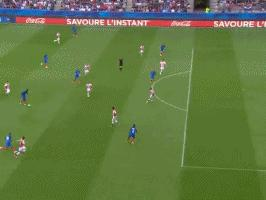 GIF-又见大吉鲁!吉鲁12分钟连进两球,法国2-0领先巴拉圭