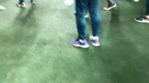 [PPTV视频] 不和谐!R马赛后被球迷水瓶击中倒地不起