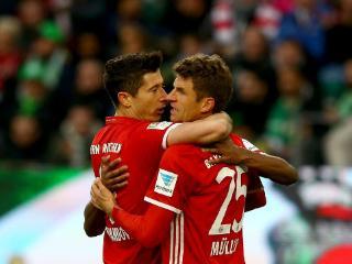 莱万两球 拜仁6-0狼堡提前夺冠