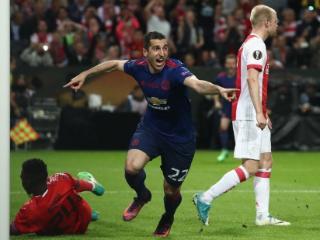 姆希塔良倒钩获曼联5月最佳进球