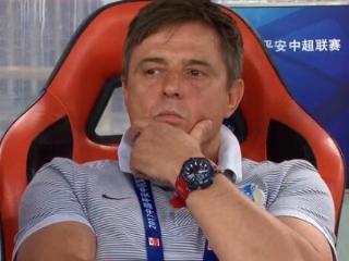 粤媒:富力防线需补强,球队需耐心更需野心