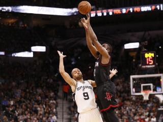 篮球晚报:联盟将讨论三分犯规 勇士33%横扫骑士