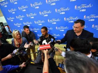 JR:打球脏的事我不懂 勇士有个人一直踢别人裆部