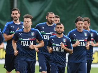 意大利战乌拉圭名单:维拉蒂因伤缺阵,10号空缺