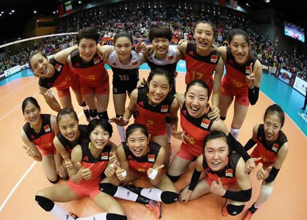 中国女排1天2战日本 朱婷率领的王者之师和国青队能否全胜?