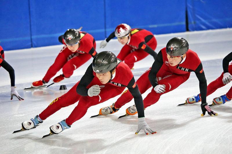 国家速滑队创新组夏训结束归京 教练对夸赞队员训练成果