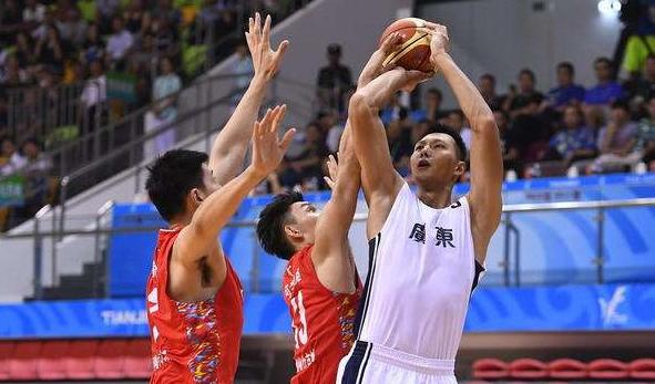 全运男篮新疆73:62广东首进决赛 将与辽宁争冠
