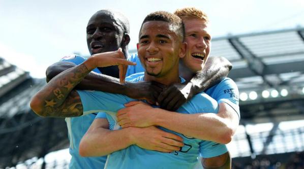 早报:曼城5-0利物浦 收获两连胜 巴萨5-0西班牙人登顶