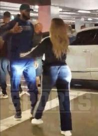 詹姆斯在停车场与卡戴珊热烈拥抱 谁说詹皇不喜欢她?