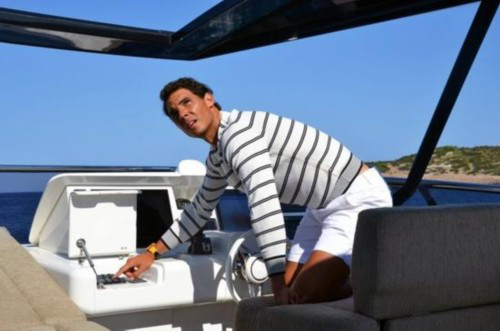 纳达尔总裁晒完美腹肌a总裁网球气质尽显_游轮2手高尔夫球车图片