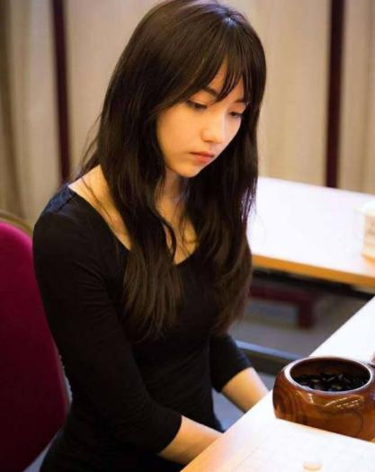 淘汰!中国围棋界第一预赛美女美女连衣裙被惊呆竟靠这个图片