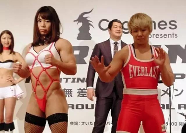 现实版肌肉哪吒!日本另类女格斗选手肌肉堪比泰森 扮萝莉只因缺钱