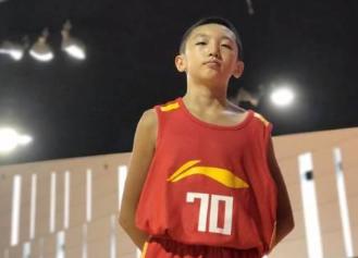 v歌曲歌曲少年赛1米58破格加入国家队_世界_一双滑板鞋篮球图片