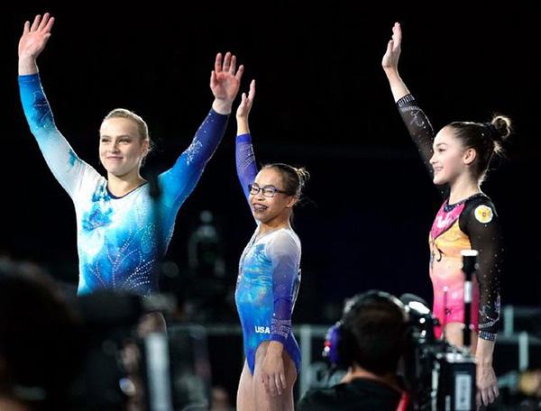 被美国妈妈收养的广西体操女孩 成了全美新英雄