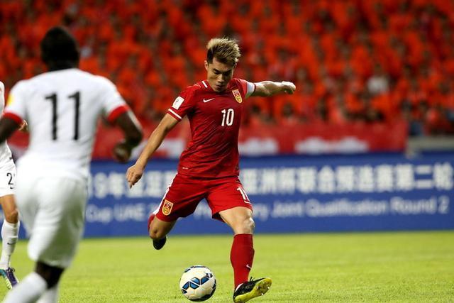 中国10大足球运动员!郝海东第二,孙雯第三 第一是何方