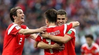俄罗斯5-0沙特取开门红,切里舍夫梅开二度,戈洛温两传一射
