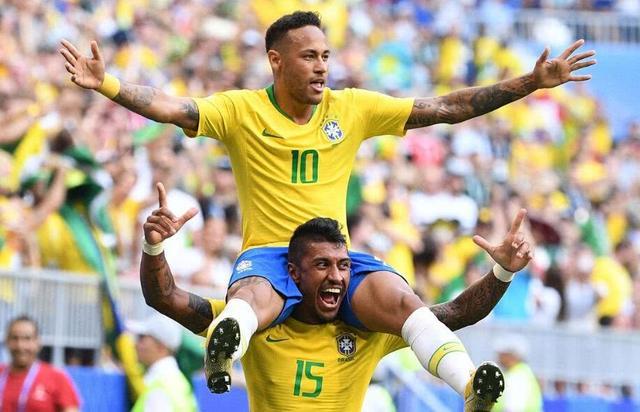 巴西2-0淘汰墨西哥!内马尔遭墨西哥悍将下黑脚,却遭裁判无视