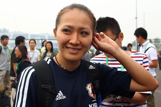 日本女足第一美女兑现露屁股承诺!完整版视频已流出