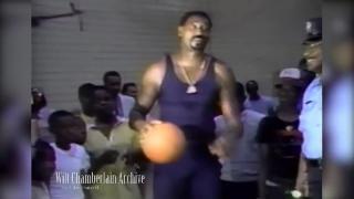 这身体太吓人!50岁的张伯伦仍能打NBA!
