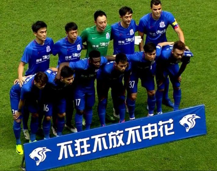 从冲击亚冠到联赛保级,吴金贵会是申花最后的救命稻草?
