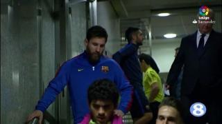 西班牙德比两队赛前球员通道内花絮