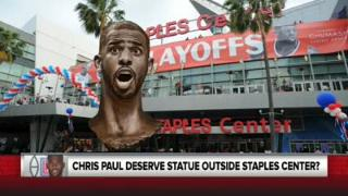 爱玩!国外媒体恶搞保罗铜像伫立球馆