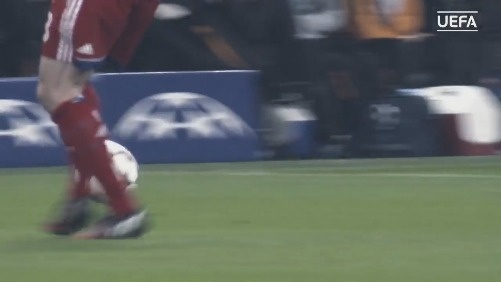 [秒拍视频] 欧足联官方剪辑阿隆索欧战高光短片 