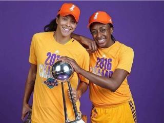"""阿迪为WNBA火花队推出的""""黑金/白金""""冠军球鞋套装"""