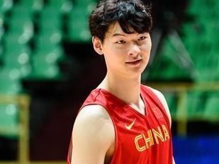 热身赛-中国男篮红队不敌安哥拉