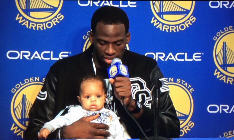 格林谈宝宝:我儿子也看比赛了 他很投入