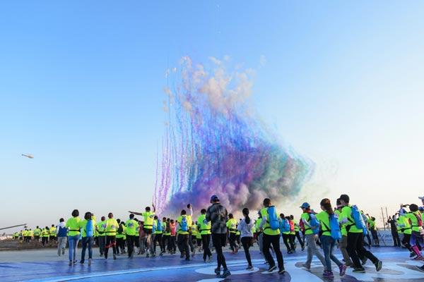 高原超马震撼来袭 ——2017长安福特·环抚仙湖高原国际超级马拉松倒计时60天启动