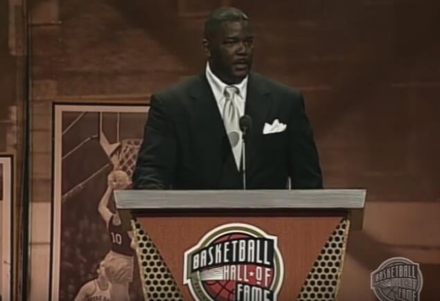名记:独立体育娱乐聘请乔-杜马斯担任篮球总裁