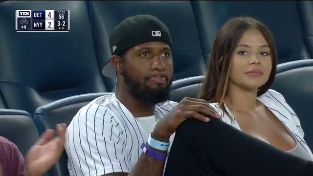 乔治现身MLB 观战棒球比赛