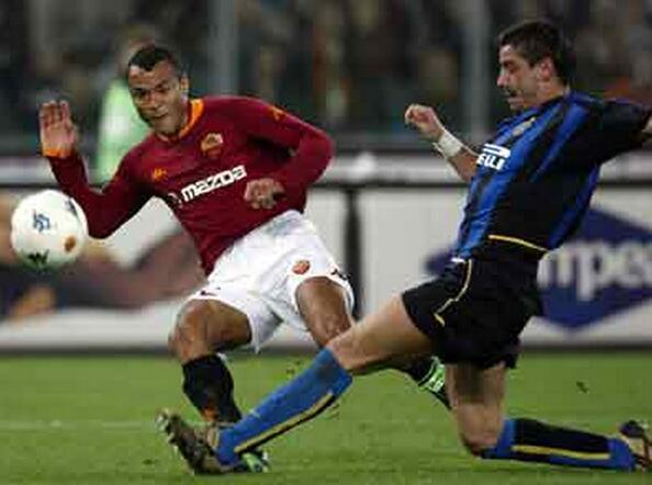 卡福:罗马有着很好的阵容 他们的新赛季值得期待