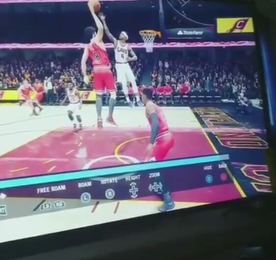 网友晒NBALive游戏视频:小托马斯飞起封盖小洛扣篮
