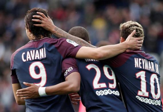 法甲巴黎主场6-2大胜波尔多  内马尔2射1传姆巴佩卡瓦尼破门