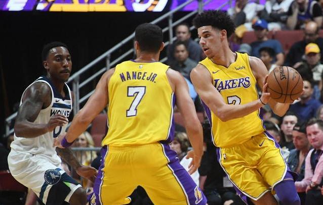 NBA季前赛-森林狼6人上双108-99胜湖人  球哥5分8助攻