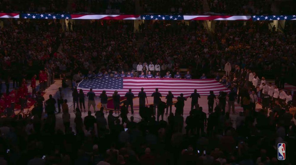 法里埃德:掘金球员将在季前赛国歌仪式时手挽手抗议