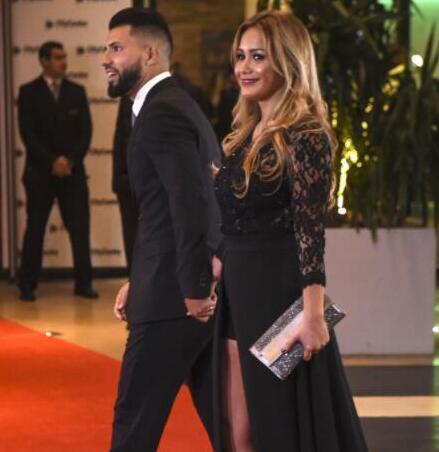 英媒:阿圭罗已经和明星女友分手