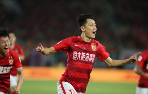 早报-恒大4比3险胜延边刘健2球献绝杀  上海大师赛纳达尔进四强