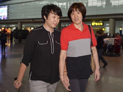 球坛重磅!郎平爱徒与大12岁泰国人结婚 长时间分居没孩子