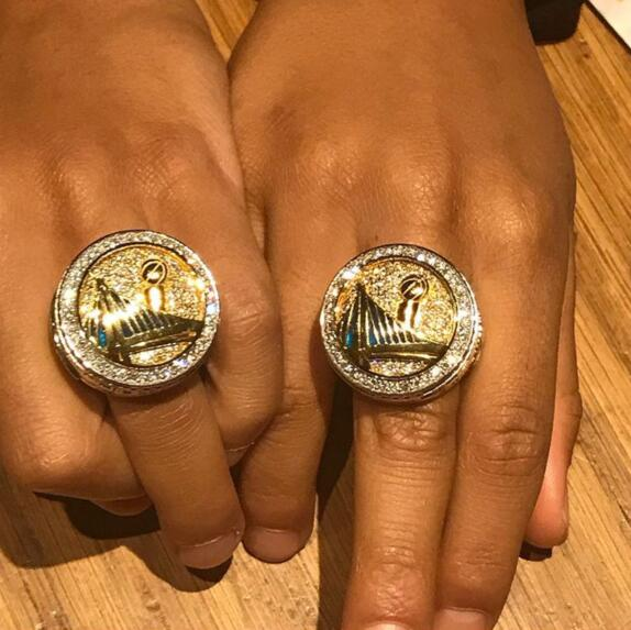 巴爷为儿子打造总冠军戒指:他们也是勇士一份子