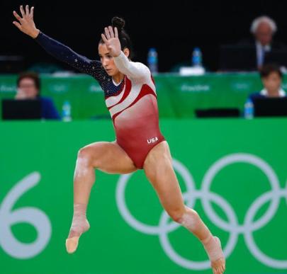 美国体操奥运冠军自曝曾遭队医性侵 刚开始年纪小不懂那是性侵