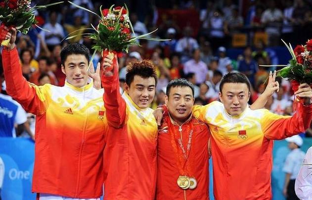 痛心!中国男乒14年来首丢世界排名第一,奥恰洛夫明年1月将取代马龙