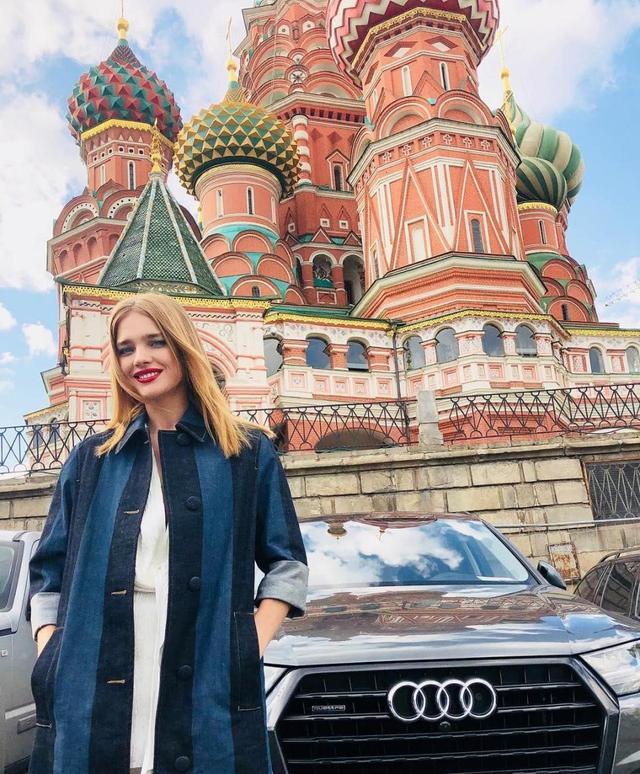 世界杯女神,她是俄罗斯最美的英格兰球迷