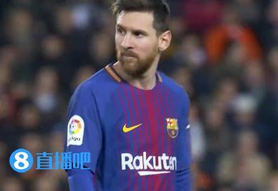 西媒:梅西中场休息时曾向裁判要解释_足球_东
